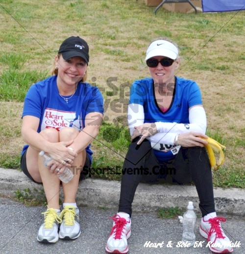 Heart & Sole 5K Run/Walk<br><br><br><br><a href='http://www.trisportsevents.com/pics/12_Heart_&_Sole_5K_109.JPG' download='12_Heart_&_Sole_5K_109.JPG'>Click here to download.</a><Br><a href='http://www.facebook.com/sharer.php?u=http:%2F%2Fwww.trisportsevents.com%2Fpics%2F12_Heart_&_Sole_5K_109.JPG&t=Heart & Sole 5K Run/Walk' target='_blank'><img src='images/fb_share.png' width='100'></a>