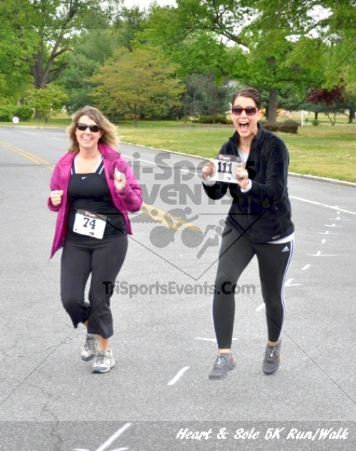 Heart & Sole 5K Run/Walk<br><br><br><br><a href='http://www.trisportsevents.com/pics/12_Heart_&_Sole_5K_127.JPG' download='12_Heart_&_Sole_5K_127.JPG'>Click here to download.</a><Br><a href='http://www.facebook.com/sharer.php?u=http:%2F%2Fwww.trisportsevents.com%2Fpics%2F12_Heart_&_Sole_5K_127.JPG&t=Heart & Sole 5K Run/Walk' target='_blank'><img src='images/fb_share.png' width='100'></a>