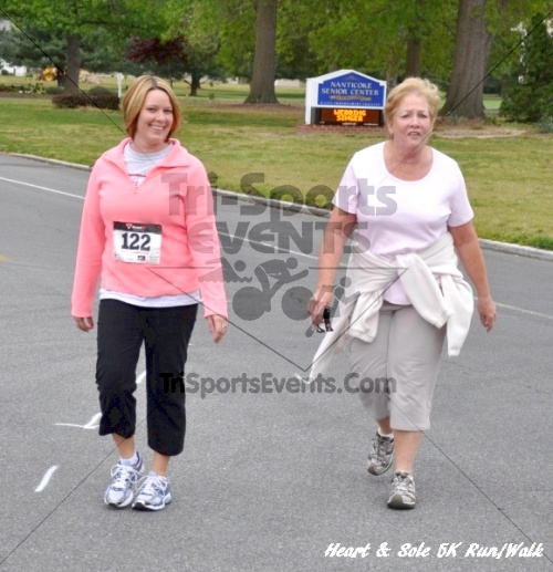 Heart & Sole 5K Run/Walk<br><br><br><br><a href='http://www.trisportsevents.com/pics/12_Heart_&_Sole_5K_133.JPG' download='12_Heart_&_Sole_5K_133.JPG'>Click here to download.</a><Br><a href='http://www.facebook.com/sharer.php?u=http:%2F%2Fwww.trisportsevents.com%2Fpics%2F12_Heart_&_Sole_5K_133.JPG&t=Heart & Sole 5K Run/Walk' target='_blank'><img src='images/fb_share.png' width='100'></a>
