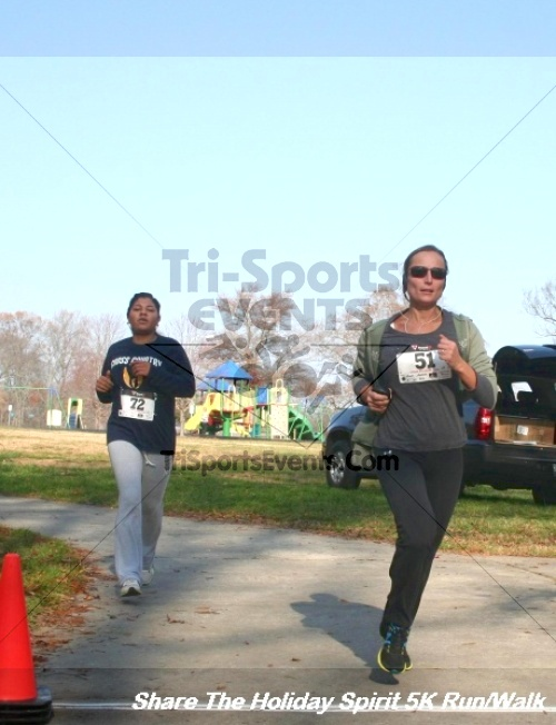 Share The Holiday Spirit 5K Run/Walk<br><br><br><br><a href='http://www.trisportsevents.com/pics/12_Hoilday_Spirit_5K_011.JPG' download='12_Hoilday_Spirit_5K_011.JPG'>Click here to download.</a><Br><a href='http://www.facebook.com/sharer.php?u=http:%2F%2Fwww.trisportsevents.com%2Fpics%2F12_Hoilday_Spirit_5K_011.JPG&t=Share The Holiday Spirit 5K Run/Walk' target='_blank'><img src='images/fb_share.png' width='100'></a>