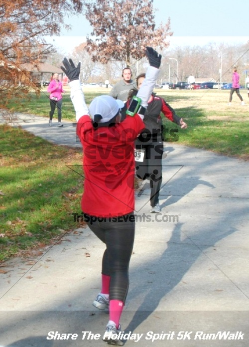 Share The Holiday Spirit 5K Run/Walk<br><br><br><br><a href='http://www.trisportsevents.com/pics/12_Hoilday_Spirit_5K_043.JPG' download='12_Hoilday_Spirit_5K_043.JPG'>Click here to download.</a><Br><a href='http://www.facebook.com/sharer.php?u=http:%2F%2Fwww.trisportsevents.com%2Fpics%2F12_Hoilday_Spirit_5K_043.JPG&t=Share The Holiday Spirit 5K Run/Walk' target='_blank'><img src='images/fb_share.png' width='100'></a>