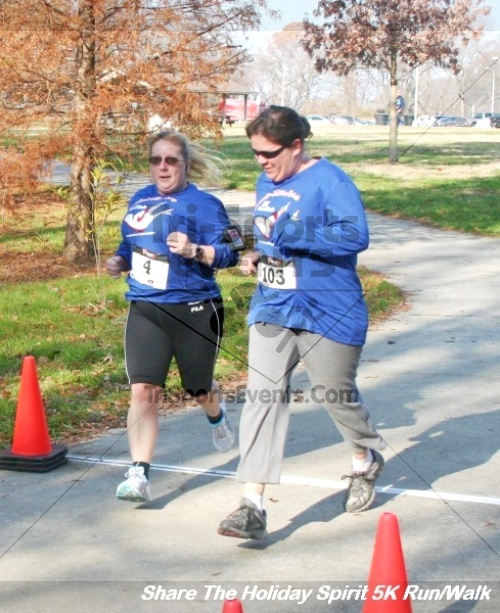 Share The Holiday Spirit 5K Run/Walk<br><br><br><br><a href='https://www.trisportsevents.com/pics/12_Hoilday_Spirit_5K_085.JPG' download='12_Hoilday_Spirit_5K_085.JPG'>Click here to download.</a><Br><a href='http://www.facebook.com/sharer.php?u=http:%2F%2Fwww.trisportsevents.com%2Fpics%2F12_Hoilday_Spirit_5K_085.JPG&t=Share The Holiday Spirit 5K Run/Walk' target='_blank'><img src='images/fb_share.png' width='100'></a>