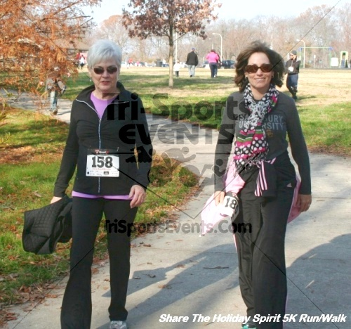 Share The Holiday Spirit 5K Run/Walk<br><br><br><br><a href='http://www.trisportsevents.com/pics/12_Hoilday_Spirit_5K_107.JPG' download='12_Hoilday_Spirit_5K_107.JPG'>Click here to download.</a><Br><a href='http://www.facebook.com/sharer.php?u=http:%2F%2Fwww.trisportsevents.com%2Fpics%2F12_Hoilday_Spirit_5K_107.JPG&t=Share The Holiday Spirit 5K Run/Walk' target='_blank'><img src='images/fb_share.png' width='100'></a>