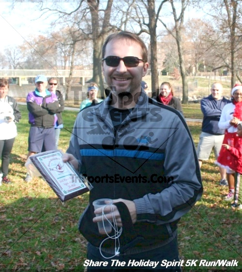 Share The Holiday Spirit 5K Run/Walk<br><br><br><br><a href='https://www.trisportsevents.com/pics/12_Hoilday_Spirit_5K_148.JPG' download='12_Hoilday_Spirit_5K_148.JPG'>Click here to download.</a><Br><a href='http://www.facebook.com/sharer.php?u=http:%2F%2Fwww.trisportsevents.com%2Fpics%2F12_Hoilday_Spirit_5K_148.JPG&t=Share The Holiday Spirit 5K Run/Walk' target='_blank'><img src='images/fb_share.png' width='100'></a>