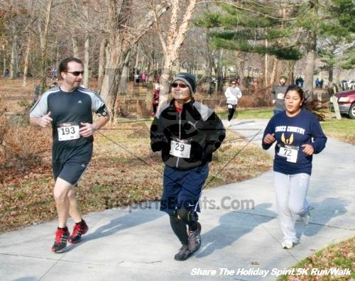 Share The Holiday Spirit 5K Run/Walk<br><br><br><br><a href='http://www.trisportsevents.com/pics/12_Hoilday_Spirit_5K_211.JPG' download='12_Hoilday_Spirit_5K_211.JPG'>Click here to download.</a><Br><a href='http://www.facebook.com/sharer.php?u=http:%2F%2Fwww.trisportsevents.com%2Fpics%2F12_Hoilday_Spirit_5K_211.JPG&t=Share The Holiday Spirit 5K Run/Walk' target='_blank'><img src='images/fb_share.png' width='100'></a>