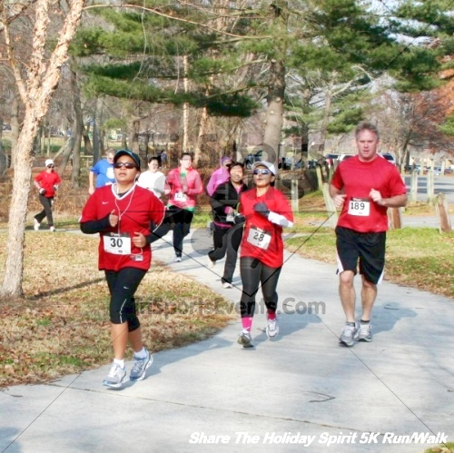 Share The Holiday Spirit 5K Run/Walk<br><br><br><br><a href='http://www.trisportsevents.com/pics/12_Hoilday_Spirit_5K_231.JPG' download='12_Hoilday_Spirit_5K_231.JPG'>Click here to download.</a><Br><a href='http://www.facebook.com/sharer.php?u=http:%2F%2Fwww.trisportsevents.com%2Fpics%2F12_Hoilday_Spirit_5K_231.JPG&t=Share The Holiday Spirit 5K Run/Walk' target='_blank'><img src='images/fb_share.png' width='100'></a>