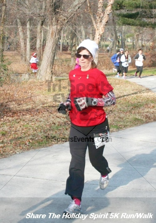Share The Holiday Spirit 5K Run/Walk<br><br><br><br><a href='http://www.trisportsevents.com/pics/12_Hoilday_Spirit_5K_236.JPG' download='12_Hoilday_Spirit_5K_236.JPG'>Click here to download.</a><Br><a href='http://www.facebook.com/sharer.php?u=http:%2F%2Fwww.trisportsevents.com%2Fpics%2F12_Hoilday_Spirit_5K_236.JPG&t=Share The Holiday Spirit 5K Run/Walk' target='_blank'><img src='images/fb_share.png' width='100'></a>