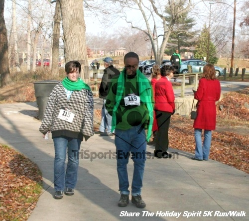Share The Holiday Spirit 5K Run/Walk<br><br><br><br><a href='http://www.trisportsevents.com/pics/12_Hoilday_Spirit_5K_282.JPG' download='12_Hoilday_Spirit_5K_282.JPG'>Click here to download.</a><Br><a href='http://www.facebook.com/sharer.php?u=http:%2F%2Fwww.trisportsevents.com%2Fpics%2F12_Hoilday_Spirit_5K_282.JPG&t=Share The Holiday Spirit 5K Run/Walk' target='_blank'><img src='images/fb_share.png' width='100'></a>