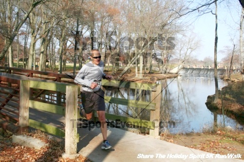 Share The Holiday Spirit 5K Run/Walk<br><br><br><br><a href='https://www.trisportsevents.com/pics/12_Hoilday_Spirit_5K_297.JPG' download='12_Hoilday_Spirit_5K_297.JPG'>Click here to download.</a><Br><a href='http://www.facebook.com/sharer.php?u=http:%2F%2Fwww.trisportsevents.com%2Fpics%2F12_Hoilday_Spirit_5K_297.JPG&t=Share The Holiday Spirit 5K Run/Walk' target='_blank'><img src='images/fb_share.png' width='100'></a>