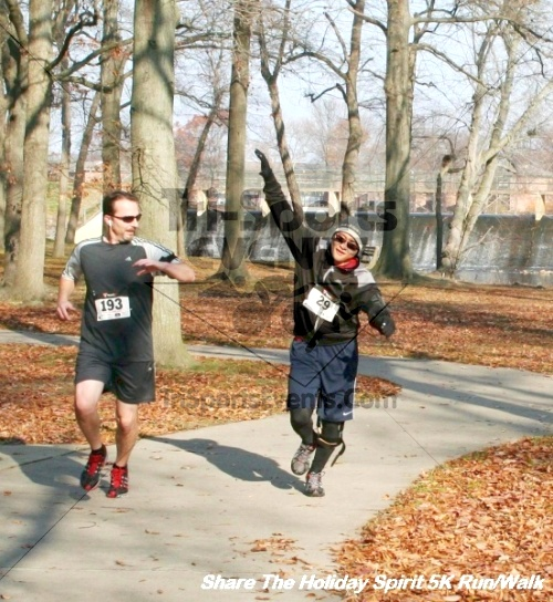 Share The Holiday Spirit 5K Run/Walk<br><br><br><br><a href='https://www.trisportsevents.com/pics/12_Hoilday_Spirit_5K_309.JPG' download='12_Hoilday_Spirit_5K_309.JPG'>Click here to download.</a><Br><a href='http://www.facebook.com/sharer.php?u=http:%2F%2Fwww.trisportsevents.com%2Fpics%2F12_Hoilday_Spirit_5K_309.JPG&t=Share The Holiday Spirit 5K Run/Walk' target='_blank'><img src='images/fb_share.png' width='100'></a>