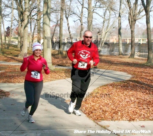 Share The Holiday Spirit 5K Run/Walk<br><br><br><br><a href='http://www.trisportsevents.com/pics/12_Hoilday_Spirit_5K_315.JPG' download='12_Hoilday_Spirit_5K_315.JPG'>Click here to download.</a><Br><a href='http://www.facebook.com/sharer.php?u=http:%2F%2Fwww.trisportsevents.com%2Fpics%2F12_Hoilday_Spirit_5K_315.JPG&t=Share The Holiday Spirit 5K Run/Walk' target='_blank'><img src='images/fb_share.png' width='100'></a>