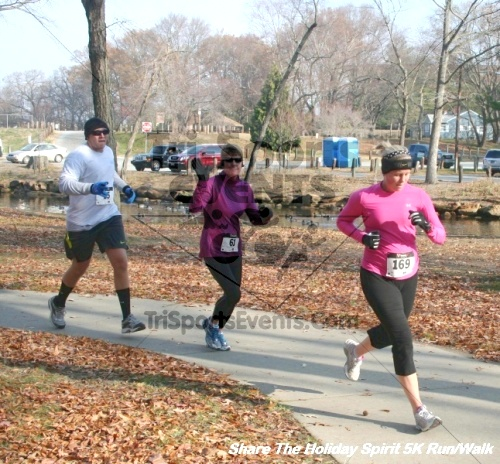 Share The Holiday Spirit 5K Run/Walk<br><br><br><br><a href='https://www.trisportsevents.com/pics/12_Hoilday_Spirit_5K_322.JPG' download='12_Hoilday_Spirit_5K_322.JPG'>Click here to download.</a><Br><a href='http://www.facebook.com/sharer.php?u=http:%2F%2Fwww.trisportsevents.com%2Fpics%2F12_Hoilday_Spirit_5K_322.JPG&t=Share The Holiday Spirit 5K Run/Walk' target='_blank'><img src='images/fb_share.png' width='100'></a>
