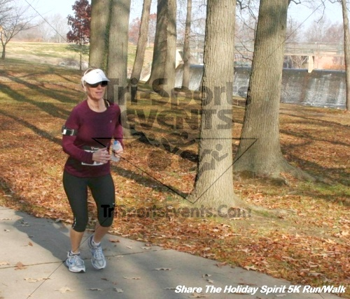 Share The Holiday Spirit 5K Run/Walk<br><br><br><br><a href='https://www.trisportsevents.com/pics/12_Hoilday_Spirit_5K_328.JPG' download='12_Hoilday_Spirit_5K_328.JPG'>Click here to download.</a><Br><a href='http://www.facebook.com/sharer.php?u=http:%2F%2Fwww.trisportsevents.com%2Fpics%2F12_Hoilday_Spirit_5K_328.JPG&t=Share The Holiday Spirit 5K Run/Walk' target='_blank'><img src='images/fb_share.png' width='100'></a>
