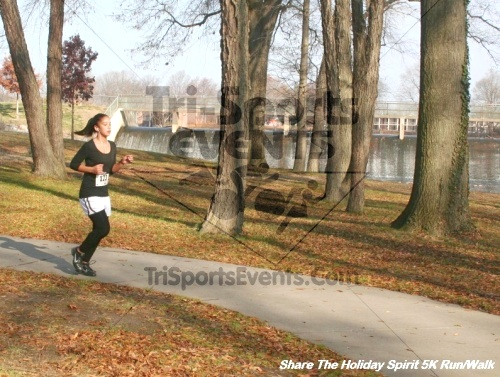 Share The Holiday Spirit 5K Run/Walk<br><br><br><br><a href='http://www.trisportsevents.com/pics/12_Hoilday_Spirit_5K_335.JPG' download='12_Hoilday_Spirit_5K_335.JPG'>Click here to download.</a><Br><a href='http://www.facebook.com/sharer.php?u=http:%2F%2Fwww.trisportsevents.com%2Fpics%2F12_Hoilday_Spirit_5K_335.JPG&t=Share The Holiday Spirit 5K Run/Walk' target='_blank'><img src='images/fb_share.png' width='100'></a>