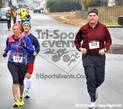 Dreams Take Flight 5K<br><br><br><br><a href='http://www.trisportsevents.com/pics/12_KBCPF_5K_023.JPG' download='12_KBCPF_5K_023.JPG'>Click here to download.</a><Br><a href='http://www.facebook.com/sharer.php?u=http:%2F%2Fwww.trisportsevents.com%2Fpics%2F12_KBCPF_5K_023.JPG&t=Dreams Take Flight 5K' target='_blank'><img src='images/fb_share.png' width='100'></a>
