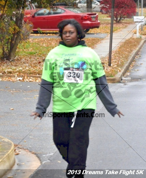Dreams Take Flight 5K<br><br><br><br><a href='http://www.trisportsevents.com/pics/12_KBCPF_5K_042.JPG' download='12_KBCPF_5K_042.JPG'>Click here to download.</a><Br><a href='http://www.facebook.com/sharer.php?u=http:%2F%2Fwww.trisportsevents.com%2Fpics%2F12_KBCPF_5K_042.JPG&t=Dreams Take Flight 5K' target='_blank'><img src='images/fb_share.png' width='100'></a>