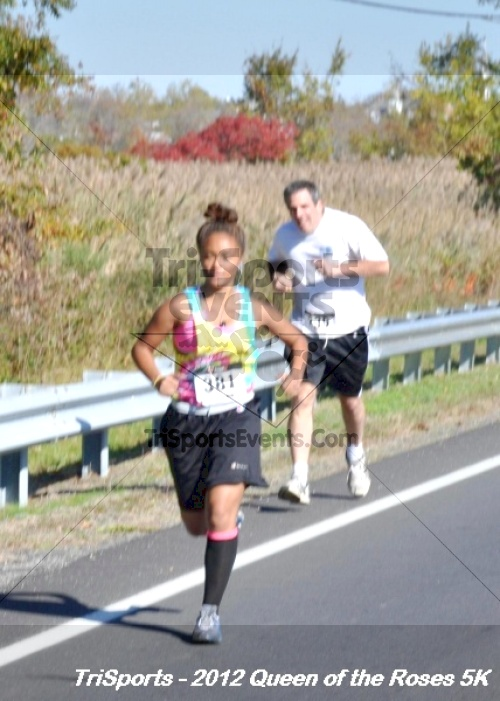 Queen of the Roses 5K Run/Walk<br><br><br><br><a href='https://www.trisportsevents.com/pics/12_Queen_of_Roses_5K_026.JPG' download='12_Queen_of_Roses_5K_026.JPG'>Click here to download.</a><Br><a href='http://www.facebook.com/sharer.php?u=http:%2F%2Fwww.trisportsevents.com%2Fpics%2F12_Queen_of_Roses_5K_026.JPG&t=Queen of the Roses 5K Run/Walk' target='_blank'><img src='images/fb_share.png' width='100'></a>