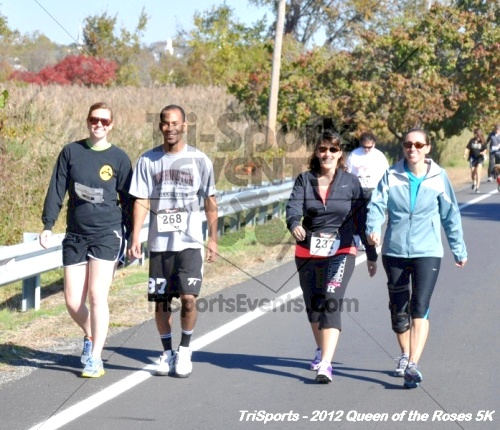 Queen of the Roses 5K Run/Walk<br><br><br><br><a href='https://www.trisportsevents.com/pics/12_Queen_of_Roses_5K_047.JPG' download='12_Queen_of_Roses_5K_047.JPG'>Click here to download.</a><Br><a href='http://www.facebook.com/sharer.php?u=http:%2F%2Fwww.trisportsevents.com%2Fpics%2F12_Queen_of_Roses_5K_047.JPG&t=Queen of the Roses 5K Run/Walk' target='_blank'><img src='images/fb_share.png' width='100'></a>