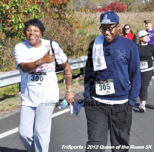 Queen of the Roses 5K Run/Walk<br><br><br><br><a href='https://www.trisportsevents.com/pics/12_Queen_of_Roses_5K_059.JPG' download='12_Queen_of_Roses_5K_059.JPG'>Click here to download.</a><Br><a href='http://www.facebook.com/sharer.php?u=http:%2F%2Fwww.trisportsevents.com%2Fpics%2F12_Queen_of_Roses_5K_059.JPG&t=Queen of the Roses 5K Run/Walk' target='_blank'><img src='images/fb_share.png' width='100'></a>