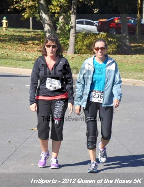 Queen of the Roses 5K Run/Walk<br><br><br><br><a href='https://www.trisportsevents.com/pics/12_Queen_of_Roses_5K_168.JPG' download='12_Queen_of_Roses_5K_168.JPG'>Click here to download.</a><Br><a href='http://www.facebook.com/sharer.php?u=http:%2F%2Fwww.trisportsevents.com%2Fpics%2F12_Queen_of_Roses_5K_168.JPG&t=Queen of the Roses 5K Run/Walk' target='_blank'><img src='images/fb_share.png' width='100'></a>