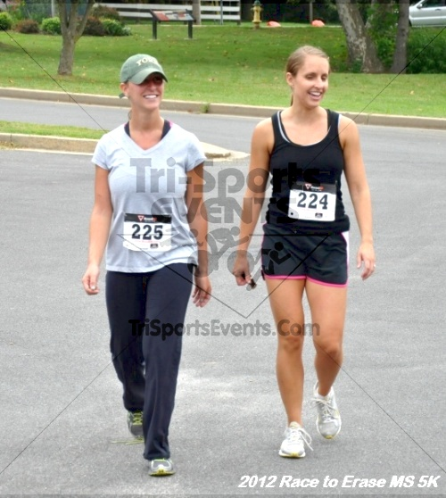 Race to Erase MS 5K Run/Walk<br><br><br><br><a href='https://www.trisportsevents.com/pics/12_Race_to_Erase_MS_5K_179.JPG' download='12_Race_to_Erase_MS_5K_179.JPG'>Click here to download.</a><Br><a href='http://www.facebook.com/sharer.php?u=http:%2F%2Fwww.trisportsevents.com%2Fpics%2F12_Race_to_Erase_MS_5K_179.JPG&t=Race to Erase MS 5K Run/Walk' target='_blank'><img src='images/fb_share.png' width='100'></a>