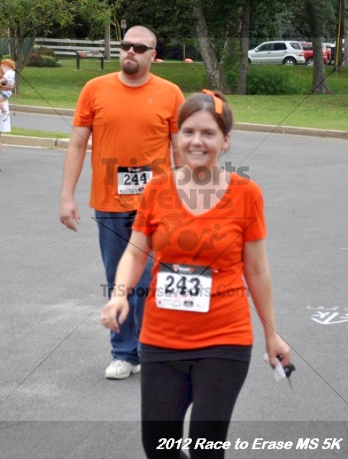 Race to Erase MS 5K Run/Walk<br><br><br><br><a href='https://www.trisportsevents.com/pics/12_Race_to_Erase_MS_5K_186.JPG' download='12_Race_to_Erase_MS_5K_186.JPG'>Click here to download.</a><Br><a href='http://www.facebook.com/sharer.php?u=http:%2F%2Fwww.trisportsevents.com%2Fpics%2F12_Race_to_Erase_MS_5K_186.JPG&t=Race to Erase MS 5K Run/Walk' target='_blank'><img src='images/fb_share.png' width='100'></a>