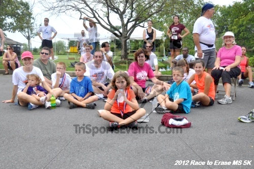 Race to Erase MS 5K Run/Walk<br><br><br><br><a href='https://www.trisportsevents.com/pics/12_Race_to_Erase_MS_5K_199.JPG' download='12_Race_to_Erase_MS_5K_199.JPG'>Click here to download.</a><Br><a href='http://www.facebook.com/sharer.php?u=http:%2F%2Fwww.trisportsevents.com%2Fpics%2F12_Race_to_Erase_MS_5K_199.JPG&t=Race to Erase MS 5K Run/Walk' target='_blank'><img src='images/fb_share.png' width='100'></a>