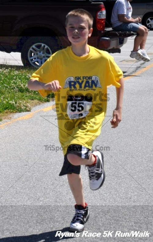 Ryan's Race 5K Run/Walk<br><br><br><br><a href='https://www.trisportsevents.com/pics/12_Ryan's_Race_5K_162.JPG' download='12_Ryan's_Race_5K_162.JPG'>Click here to download.</a><Br><a href='http://www.facebook.com/sharer.php?u=http:%2F%2Fwww.trisportsevents.com%2Fpics%2F12_Ryan's_Race_5K_162.JPG&t=Ryan's Race 5K Run/Walk' target='_blank'><img src='images/fb_share.png' width='100'></a>