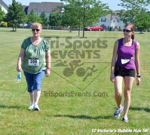 5th Victoria's Bubble 5K Run/Walk<br><br><br><br><a href='https://www.trisportsevents.com/pics/12_Victoria's_5K_174.JPG' download='12_Victoria's_5K_174.JPG'>Click here to download.</a><Br><a href='http://www.facebook.com/sharer.php?u=http:%2F%2Fwww.trisportsevents.com%2Fpics%2F12_Victoria's_5K_174.JPG&t=5th Victoria's Bubble 5K Run/Walk' target='_blank'><img src='images/fb_share.png' width='100'></a>