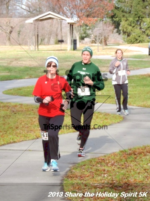 Share the Holiday Spirit 5K<br><br><br><br><a href='http://www.trisportsevents.com/pics/131.JPG' download='131.JPG'>Click here to download.</a><Br><a href='http://www.facebook.com/sharer.php?u=http:%2F%2Fwww.trisportsevents.com%2Fpics%2F131.JPG&t=Share the Holiday Spirit 5K' target='_blank'><img src='images/fb_share.png' width='100'></a>