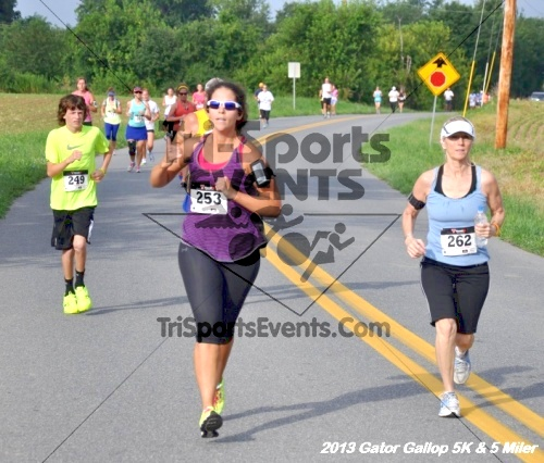 Gator Gallop 5K Run/Walk & 5 Mile Run<br><br><br><br><a href='https://www.trisportsevents.com/pics/13Gator_Gallop_5K_027.JPG' download='13Gator_Gallop_5K_027.JPG'>Click here to download.</a><Br><a href='http://www.facebook.com/sharer.php?u=http:%2F%2Fwww.trisportsevents.com%2Fpics%2F13Gator_Gallop_5K_027.JPG&t=Gator Gallop 5K Run/Walk & 5 Mile Run' target='_blank'><img src='images/fb_share.png' width='100'></a>