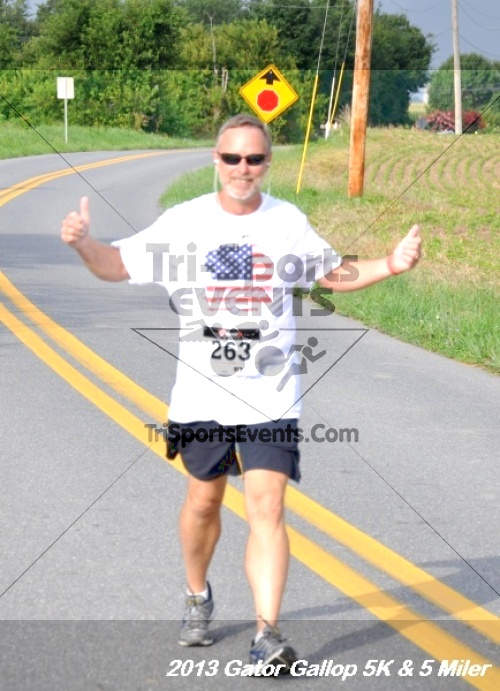 Gator Gallop 5K Run/Walk & 5 Mile Run<br><br><br><br><a href='http://www.trisportsevents.com/pics/13Gator_Gallop_5K_050.JPG' download='13Gator_Gallop_5K_050.JPG'>Click here to download.</a><Br><a href='http://www.facebook.com/sharer.php?u=http:%2F%2Fwww.trisportsevents.com%2Fpics%2F13Gator_Gallop_5K_050.JPG&t=Gator Gallop 5K Run/Walk & 5 Mile Run' target='_blank'><img src='images/fb_share.png' width='100'></a>