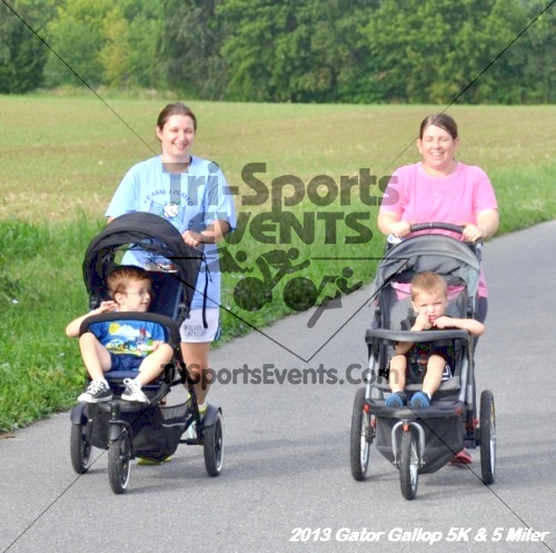 Gator Gallop 5K Run/Walk & 5 Mile Run<br><br><br><br><a href='http://www.trisportsevents.com/pics/13Gator_Gallop_5K_057.JPG' download='13Gator_Gallop_5K_057.JPG'>Click here to download.</a><Br><a href='http://www.facebook.com/sharer.php?u=http:%2F%2Fwww.trisportsevents.com%2Fpics%2F13Gator_Gallop_5K_057.JPG&t=Gator Gallop 5K Run/Walk & 5 Mile Run' target='_blank'><img src='images/fb_share.png' width='100'></a>