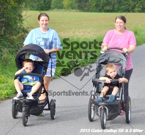Gator Gallop 5K Run/Walk & 5 Mile Run<br><br><br><br><a href='http://www.trisportsevents.com/pics/13Gator_Gallop_5K_058.JPG' download='13Gator_Gallop_5K_058.JPG'>Click here to download.</a><Br><a href='http://www.facebook.com/sharer.php?u=http:%2F%2Fwww.trisportsevents.com%2Fpics%2F13Gator_Gallop_5K_058.JPG&t=Gator Gallop 5K Run/Walk & 5 Mile Run' target='_blank'><img src='images/fb_share.png' width='100'></a>