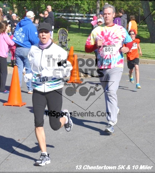 Chestertown Tea Party 5K Run/Walk and 10 Mile Run<br><br><br><br><a href='http://www.trisportsevents.com/pics/13_Chestertown_156.JPG' download='13_Chestertown_156.JPG'>Click here to download.</a><Br><a href='http://www.facebook.com/sharer.php?u=http:%2F%2Fwww.trisportsevents.com%2Fpics%2F13_Chestertown_156.JPG&t=Chestertown Tea Party 5K Run/Walk and 10 Mile Run' target='_blank'><img src='images/fb_share.png' width='100'></a>