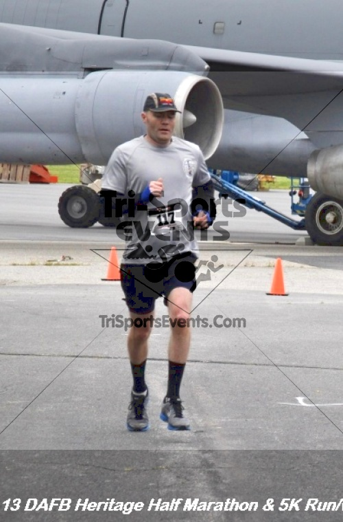 4th Dover Air Force Base Half Marathon<br><br><br><br><a href='http://www.trisportsevents.com/pics/13_DAFB_Heritage_Half_Marathon_&_5K_119.JPG' download='13_DAFB_Heritage_Half_Marathon_&_5K_119.JPG'>Click here to download.</a><Br><a href='http://www.facebook.com/sharer.php?u=http:%2F%2Fwww.trisportsevents.com%2Fpics%2F13_DAFB_Heritage_Half_Marathon_&_5K_119.JPG&t=4th Dover Air Force Base Half Marathon' target='_blank'><img src='images/fb_share.png' width='100'></a>