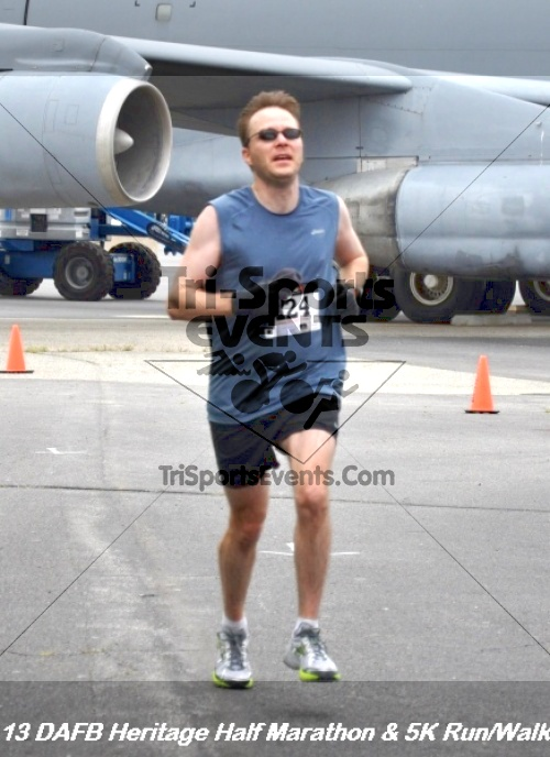 4th Dover Air Force Base Half Marathon<br><br><br><br><a href='http://www.trisportsevents.com/pics/13_DAFB_Heritage_Half_Marathon_&_5K_133.JPG' download='13_DAFB_Heritage_Half_Marathon_&_5K_133.JPG'>Click here to download.</a><Br><a href='http://www.facebook.com/sharer.php?u=http:%2F%2Fwww.trisportsevents.com%2Fpics%2F13_DAFB_Heritage_Half_Marathon_&_5K_133.JPG&t=4th Dover Air Force Base Half Marathon' target='_blank'><img src='images/fb_share.png' width='100'></a>