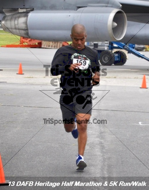 4th Dover Air Force Base Half Marathon<br><br><br><br><a href='http://www.trisportsevents.com/pics/13_DAFB_Heritage_Half_Marathon_&_5K_143.JPG' download='13_DAFB_Heritage_Half_Marathon_&_5K_143.JPG'>Click here to download.</a><Br><a href='http://www.facebook.com/sharer.php?u=http:%2F%2Fwww.trisportsevents.com%2Fpics%2F13_DAFB_Heritage_Half_Marathon_&_5K_143.JPG&t=4th Dover Air Force Base Half Marathon' target='_blank'><img src='images/fb_share.png' width='100'></a>