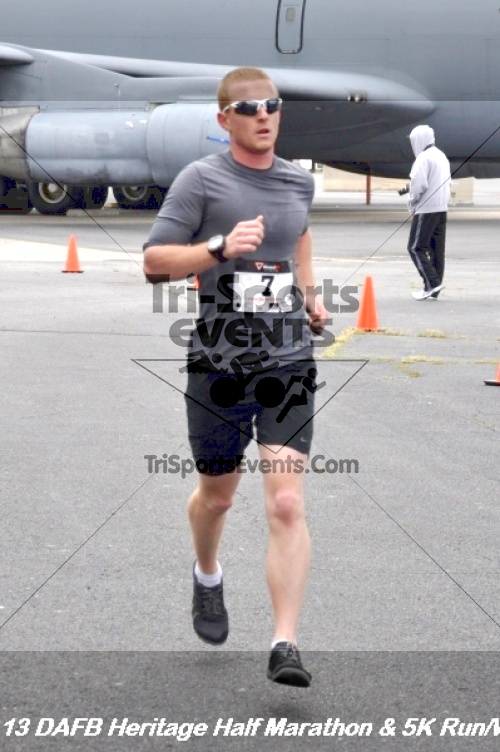 4th Dover Air Force Base Half Marathon<br><br><br><br><a href='http://www.trisportsevents.com/pics/13_DAFB_Heritage_Half_Marathon_&_5K_171.JPG' download='13_DAFB_Heritage_Half_Marathon_&_5K_171.JPG'>Click here to download.</a><Br><a href='http://www.facebook.com/sharer.php?u=http:%2F%2Fwww.trisportsevents.com%2Fpics%2F13_DAFB_Heritage_Half_Marathon_&_5K_171.JPG&t=4th Dover Air Force Base Half Marathon' target='_blank'><img src='images/fb_share.png' width='100'></a>