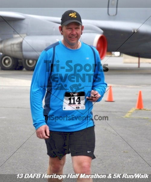 4th Dover Air Force Base Half Marathon<br><br><br><br><a href='http://www.trisportsevents.com/pics/13_DAFB_Heritage_Half_Marathon_&_5K_273.JPG' download='13_DAFB_Heritage_Half_Marathon_&_5K_273.JPG'>Click here to download.</a><Br><a href='http://www.facebook.com/sharer.php?u=http:%2F%2Fwww.trisportsevents.com%2Fpics%2F13_DAFB_Heritage_Half_Marathon_&_5K_273.JPG&t=4th Dover Air Force Base Half Marathon' target='_blank'><img src='images/fb_share.png' width='100'></a>