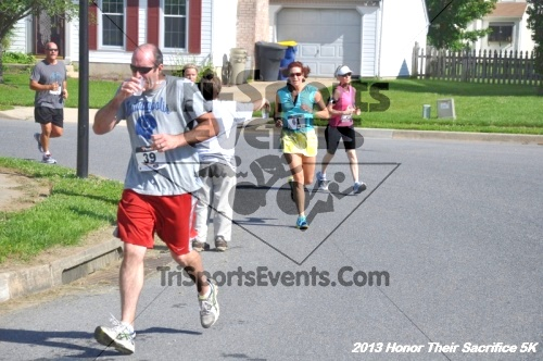 Honor Their Sacrifice 5K - Wounded Warrior Project<br><br><br><br><a href='https://www.trisportsevents.com/pics/13_Elks_5K_033.JPG' download='13_Elks_5K_033.JPG'>Click here to download.</a><Br><a href='http://www.facebook.com/sharer.php?u=http:%2F%2Fwww.trisportsevents.com%2Fpics%2F13_Elks_5K_033.JPG&t=Honor Their Sacrifice 5K - Wounded Warrior Project' target='_blank'><img src='images/fb_share.png' width='100'></a>