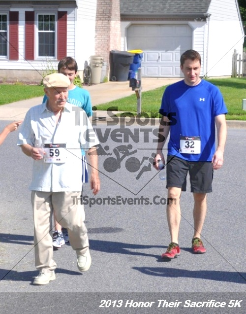 Honor Their Sacrifice 5K - Wounded Warrior Project<br><br><br><br><a href='http://www.trisportsevents.com/pics/13_Elks_5K_210.JPG' download='13_Elks_5K_210.JPG'>Click here to download.</a><Br><a href='http://www.facebook.com/sharer.php?u=http:%2F%2Fwww.trisportsevents.com%2Fpics%2F13_Elks_5K_210.JPG&t=Honor Their Sacrifice 5K - Wounded Warrior Project' target='_blank'><img src='images/fb_share.png' width='100'></a>