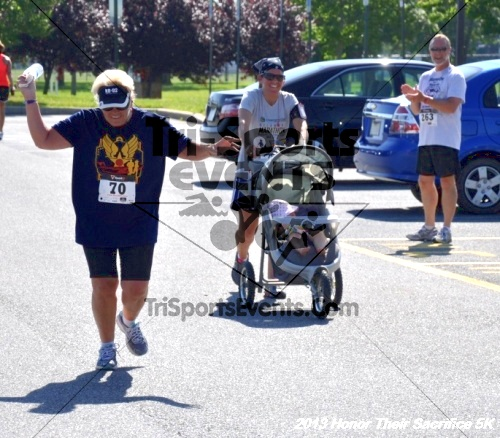 Honor Their Sacrifice 5K - Wounded Warrior Project<br><br><br><br><a href='http://www.trisportsevents.com/pics/13_Elks_5K_235.JPG' download='13_Elks_5K_235.JPG'>Click here to download.</a><Br><a href='http://www.facebook.com/sharer.php?u=http:%2F%2Fwww.trisportsevents.com%2Fpics%2F13_Elks_5K_235.JPG&t=Honor Their Sacrifice 5K - Wounded Warrior Project' target='_blank'><img src='images/fb_share.png' width='100'></a>