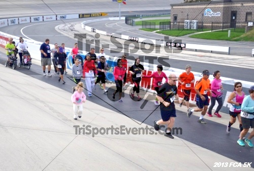FCA 5K Run/Walk<br><br><br><br><a href='https://www.trisportsevents.com/pics/13_FCA_5K_025.JPG' download='13_FCA_5K_025.JPG'>Click here to download.</a><Br><a href='http://www.facebook.com/sharer.php?u=http:%2F%2Fwww.trisportsevents.com%2Fpics%2F13_FCA_5K_025.JPG&t=FCA 5K Run/Walk' target='_blank'><img src='images/fb_share.png' width='100'></a>