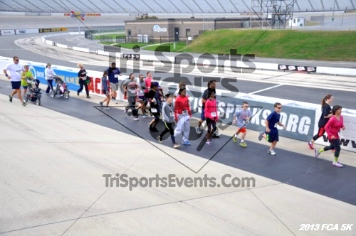 FCA 5K Run/Walk<br><br><br><br><a href='https://www.trisportsevents.com/pics/13_FCA_5K_027.JPG' download='13_FCA_5K_027.JPG'>Click here to download.</a><Br><a href='http://www.facebook.com/sharer.php?u=http:%2F%2Fwww.trisportsevents.com%2Fpics%2F13_FCA_5K_027.JPG&t=FCA 5K Run/Walk' target='_blank'><img src='images/fb_share.png' width='100'></a>