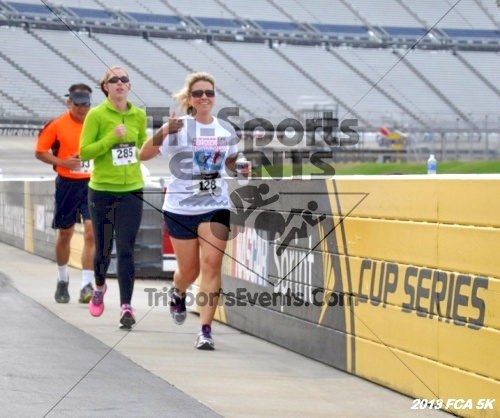 FCA 5K Run/Walk<br><br><br><br><a href='https://www.trisportsevents.com/pics/13_FCA_5K_048.JPG' download='13_FCA_5K_048.JPG'>Click here to download.</a><Br><a href='http://www.facebook.com/sharer.php?u=http:%2F%2Fwww.trisportsevents.com%2Fpics%2F13_FCA_5K_048.JPG&t=FCA 5K Run/Walk' target='_blank'><img src='images/fb_share.png' width='100'></a>