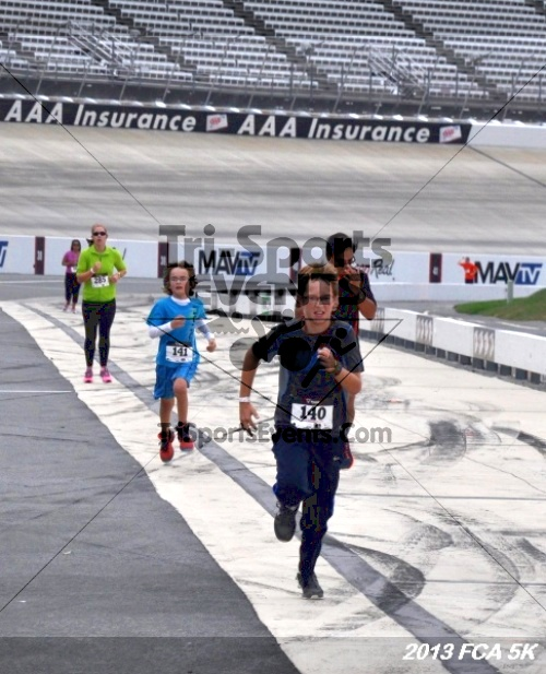FCA 5K Run/Walk<br><br><br><br><a href='https://www.trisportsevents.com/pics/13_FCA_5K_147.JPG' download='13_FCA_5K_147.JPG'>Click here to download.</a><Br><a href='http://www.facebook.com/sharer.php?u=http:%2F%2Fwww.trisportsevents.com%2Fpics%2F13_FCA_5K_147.JPG&t=FCA 5K Run/Walk' target='_blank'><img src='images/fb_share.png' width='100'></a>