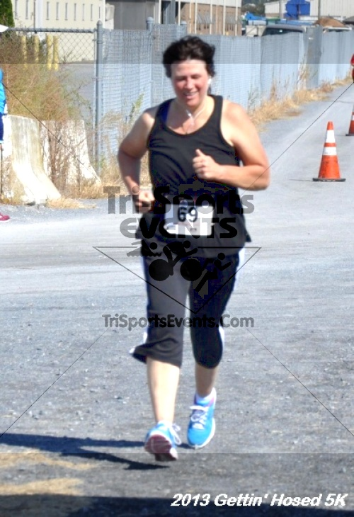 Gettin' Hosed 5K Run/Walk<br><br><br><br><a href='https://www.trisportsevents.com/pics/13_Gettin_Hosed_5K_107.JPG' download='13_Gettin_Hosed_5K_107.JPG'>Click here to download.</a><Br><a href='http://www.facebook.com/sharer.php?u=http:%2F%2Fwww.trisportsevents.com%2Fpics%2F13_Gettin_Hosed_5K_107.JPG&t=Gettin' Hosed 5K Run/Walk' target='_blank'><img src='images/fb_share.png' width='100'></a>