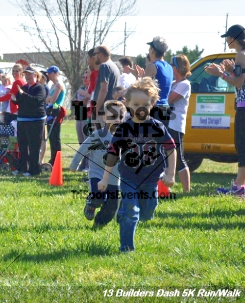 Builder's Dash 5K Run/Walk<br><br><br><br><a href='http://www.trisportsevents.com/pics/13_Habitat_5K_040.JPG' download='13_Habitat_5K_040.JPG'>Click here to download.</a><Br><a href='http://www.facebook.com/sharer.php?u=http:%2F%2Fwww.trisportsevents.com%2Fpics%2F13_Habitat_5K_040.JPG&t=Builder's Dash 5K Run/Walk' target='_blank'><img src='images/fb_share.png' width='100'></a>