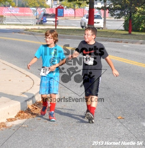 Hornet Hustle 5K Run/Walk<br><br><br><br><a href='http://www.trisportsevents.com/pics/13_Hornet_Hustle_5K_108.JPG' download='13_Hornet_Hustle_5K_108.JPG'>Click here to download.</a><Br><a href='http://www.facebook.com/sharer.php?u=http:%2F%2Fwww.trisportsevents.com%2Fpics%2F13_Hornet_Hustle_5K_108.JPG&t=Hornet Hustle 5K Run/Walk' target='_blank'><img src='images/fb_share.png' width='100'></a>